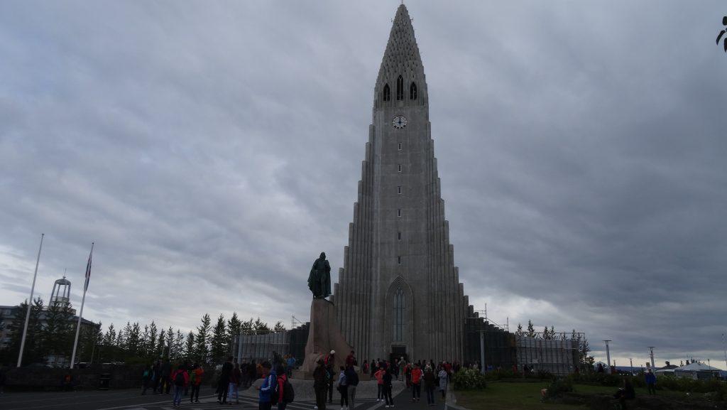 Hallgrimskirkja y Leif Eriksson (Reikiavik)